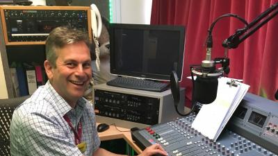 Daniel Elkeles visits Epsom Hospital Radio